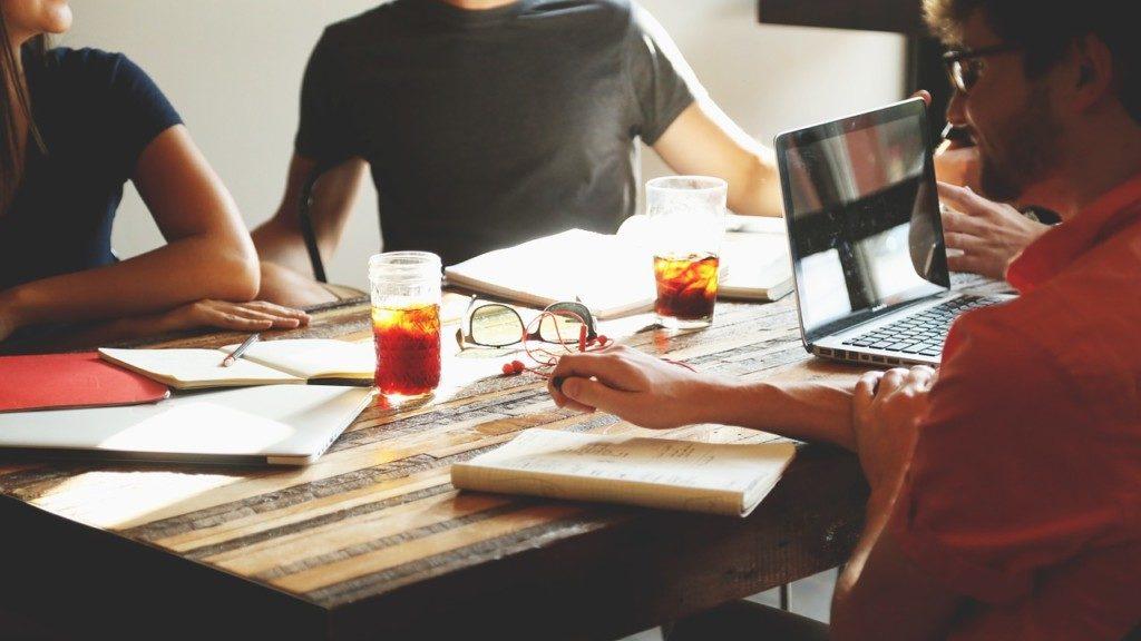 ベンチャー企業への転職のメリットとリスク