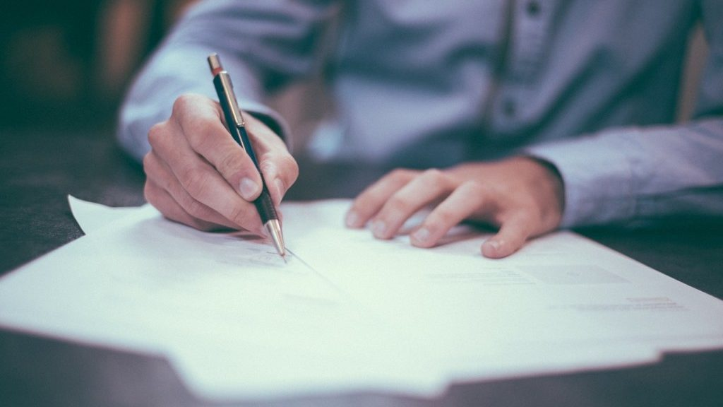 職務経歴書の書き方やテンプレートを無料でダウンロード出来るサイトを紹介